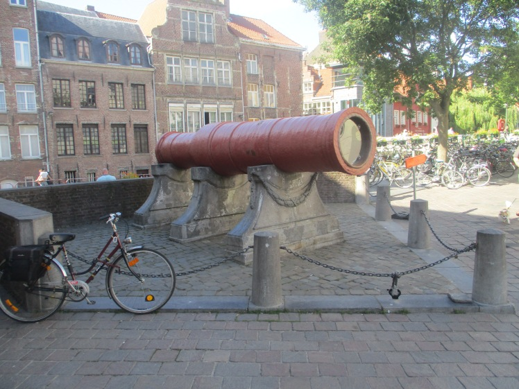 (pic - Story) Ghent - Cannon